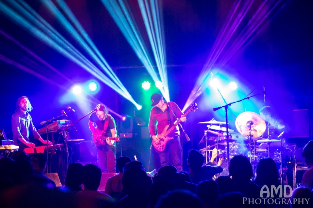 Review / Photos: Particle @ Lincoln Hall 4/20/14