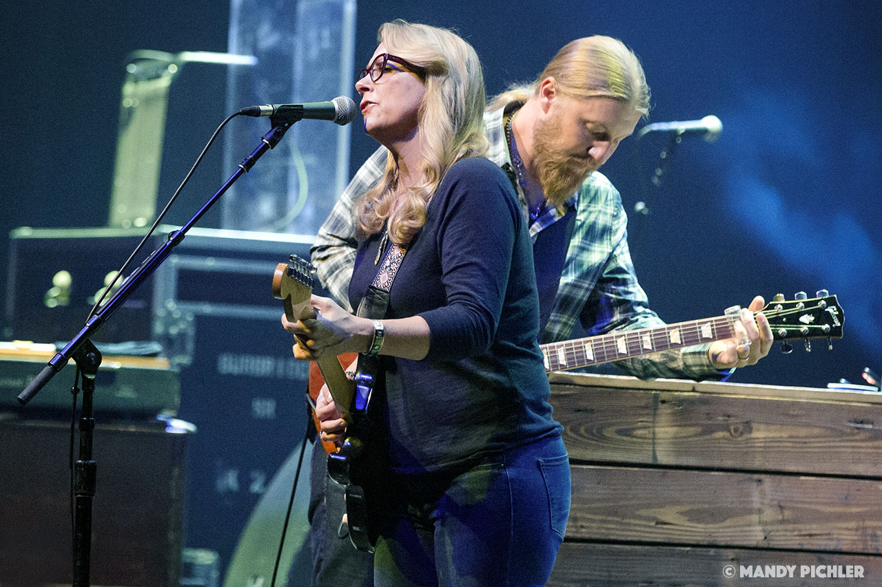 The Tedeschi Trucks Band Represents The Best Of America | Chicago 2017 In Review & Photos