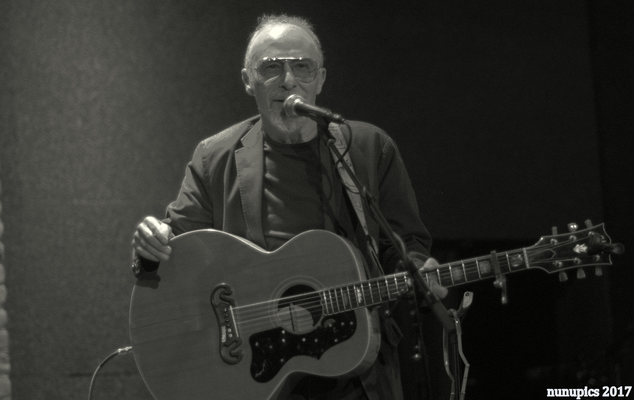 Setlist / Photo / Video | Graham Parker Duo @ City Winery 7/12/17